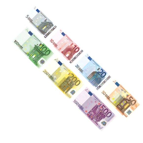 En cas de perte ou de vol, vous devez payer une somme de 7€ pour une nouvelle carte. Les rechargements sont plafonnés jusqu'à 3 € et il n'y a pas de limite de paiement (mais le solde maximum du compte est de 7 €).